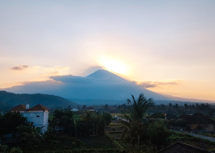 Blick auf den Vulkan Mount Agung auf Bali