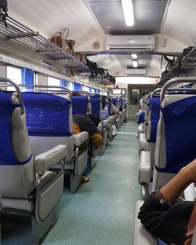 Java Zug Rundreise Reisetipps Indonesien