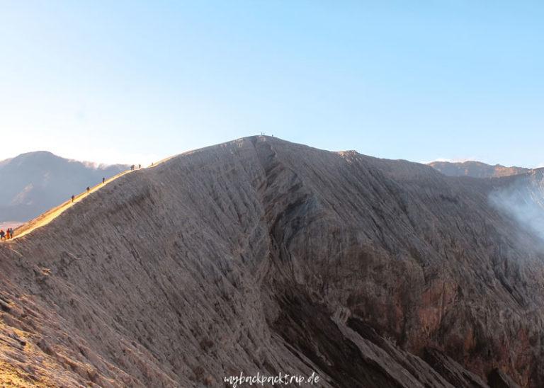Blick auf den Kraterrand Mount Bromo, Java