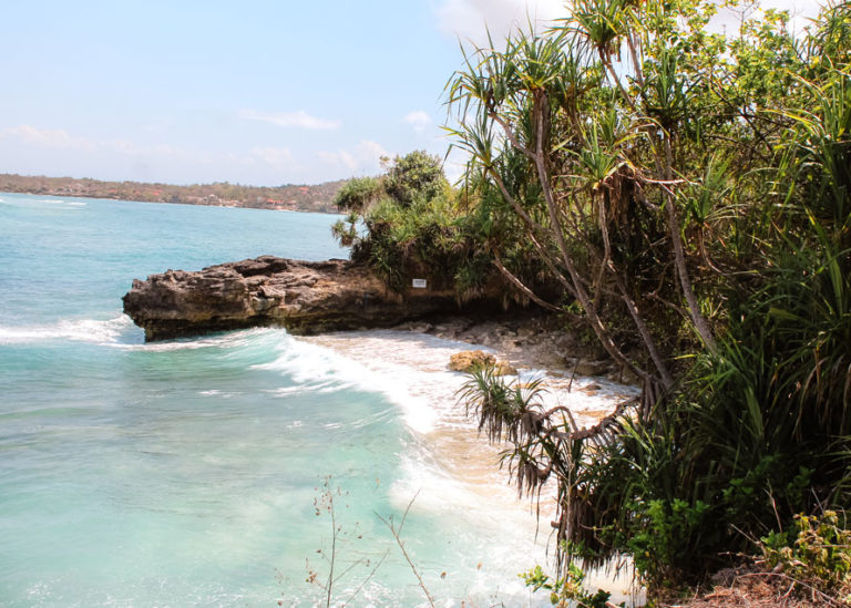Nusa Ceningan Beach