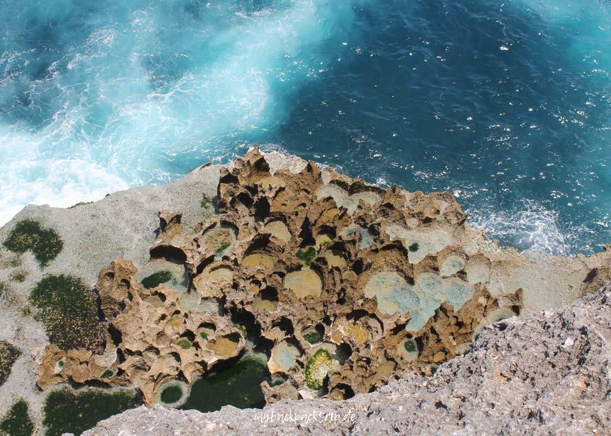 Nusa Penida Wasser Felsformation