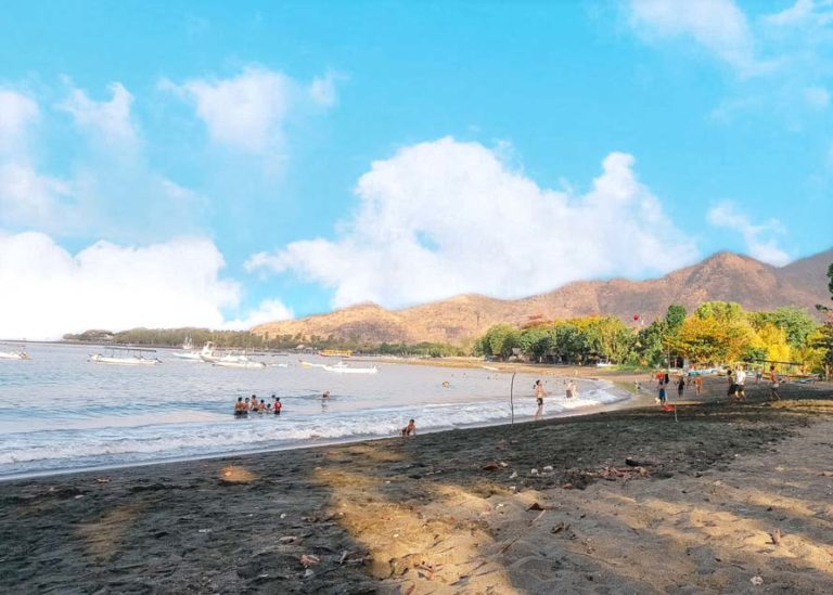 Strand von Pemuteran auf Bali