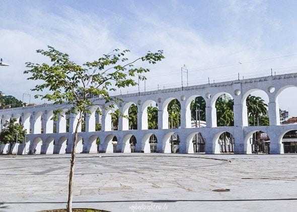 Brücke mit Bogen im Stadteil Lapa, Rio de Janeiro