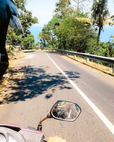 Rollerfahrt entlang Balis Ostküste Richtung Amed
