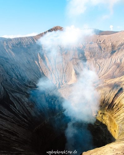 Blick in den Krater Mount Bromo, Java
