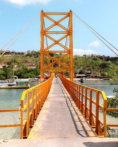 Nusa_Ceningan_Lembongan_Yellow_Bridge