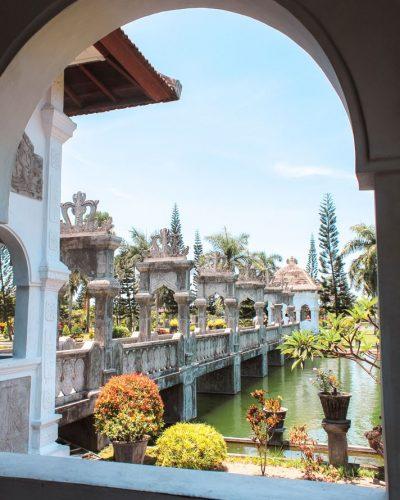 Der Taman Ujung Wasserpalast an der Ostküste Balis