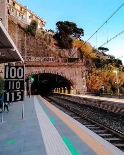 Train_Cinque_Terre_Italien